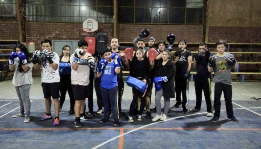 Entrega de Implementación Escuela de Boxeo de la localidad de Cajón 4ad6af10f02b3